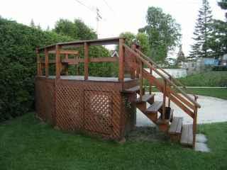 Deck de piscine hors-terre - Marchandise - Ameublement et ...